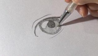动漫女孩的眼睛怎么画