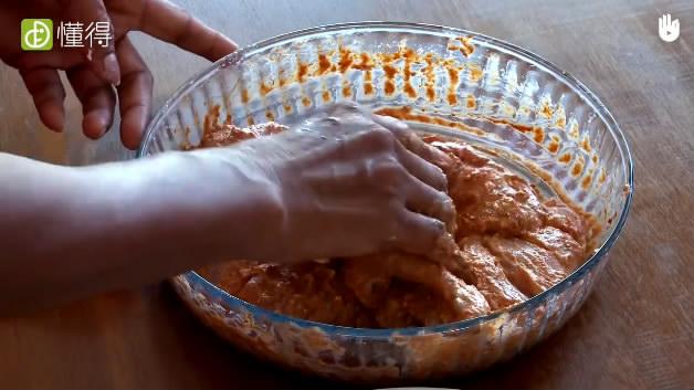 糖多里烤鸡的做法-搅拌混合物